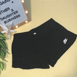 Women's Juniors Nike Short Shorts size small